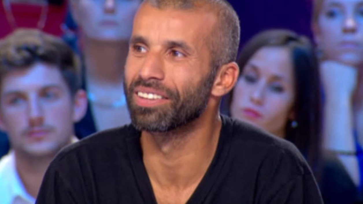 Nadir Dendoune sur le plateau du Grand journal, en septembre 2012.