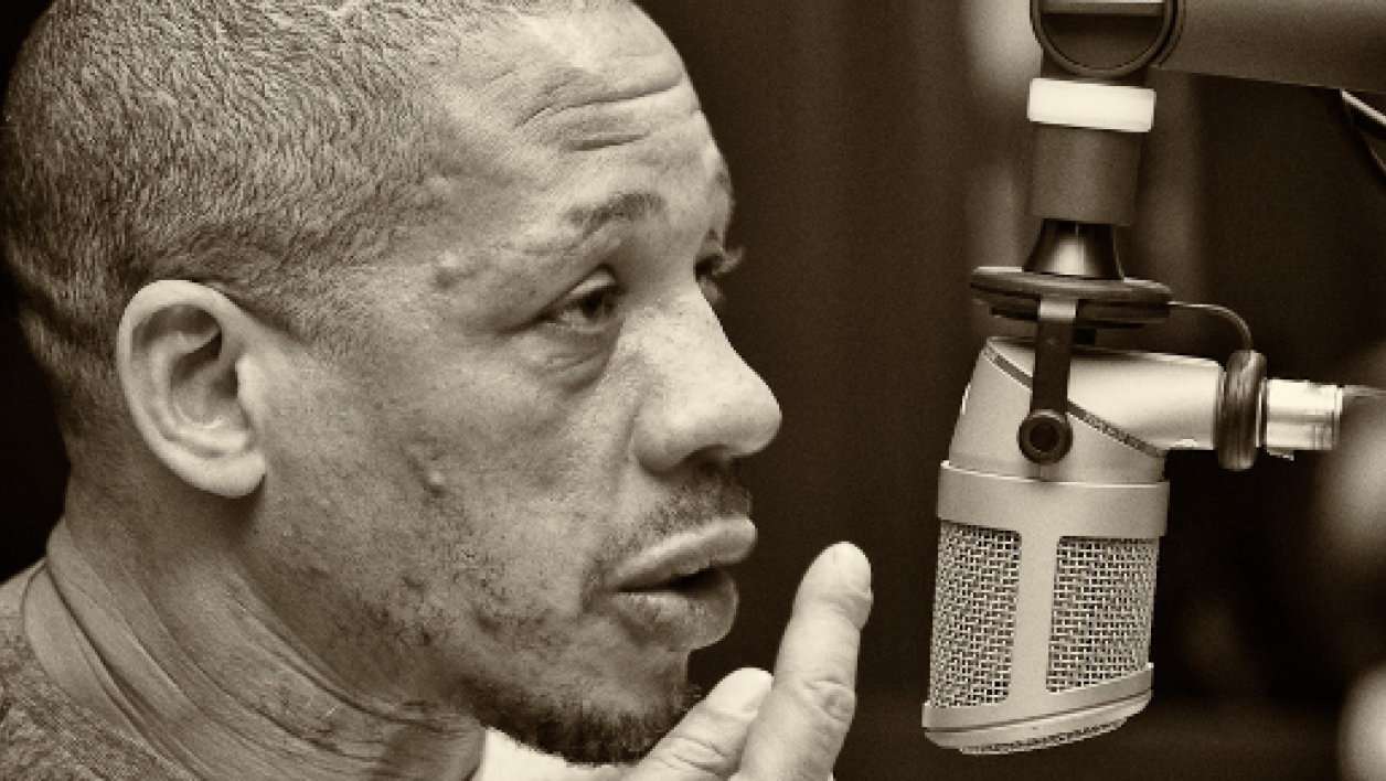 Joey Starr, lors d'une interview radio en 2011.