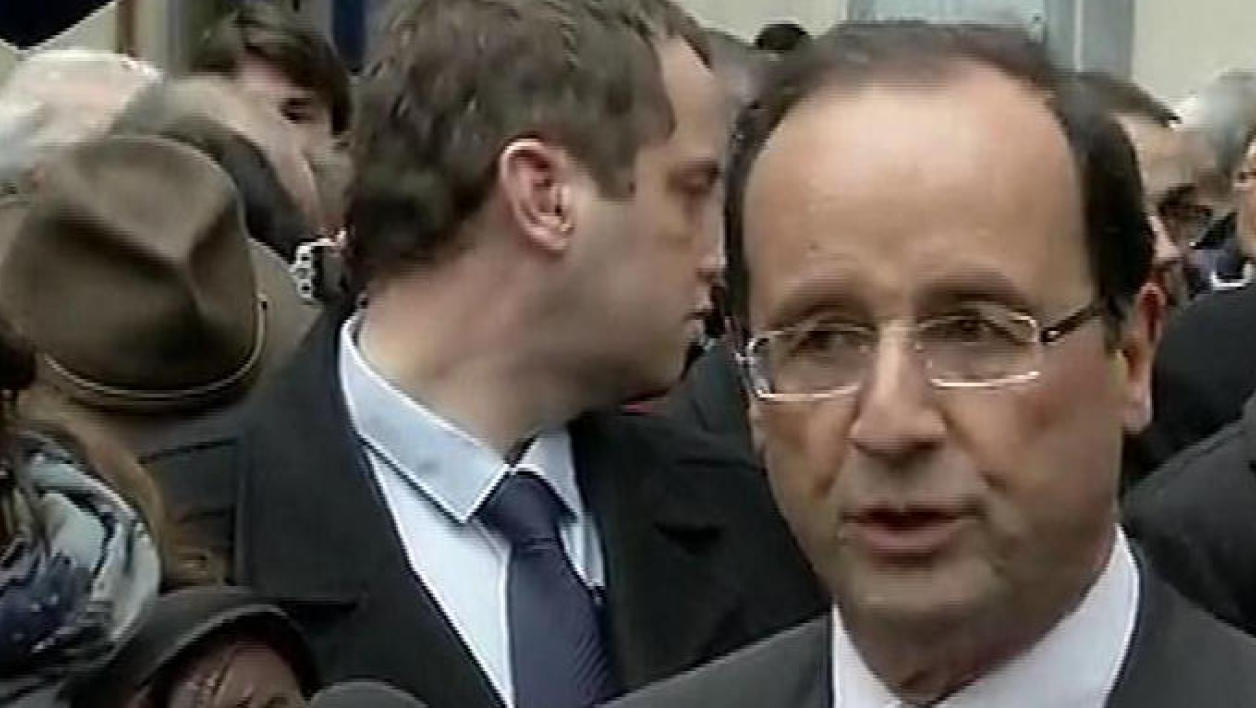 Hollande charge Sarkozy sur ses propositions