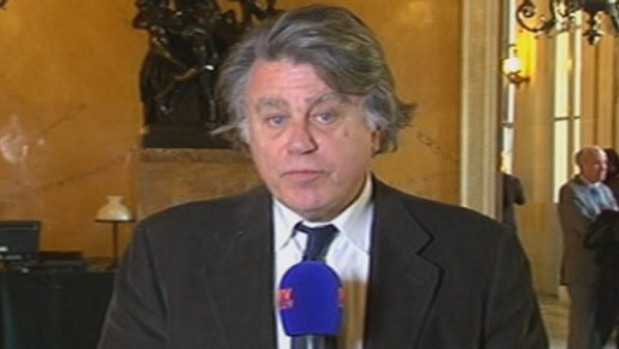 Gilbert Collard expliquant pourquoi il votera la motion de censure, le 20 mars