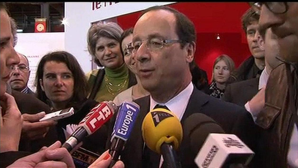 Hollande se compare à Sisyphe au Salon du livre