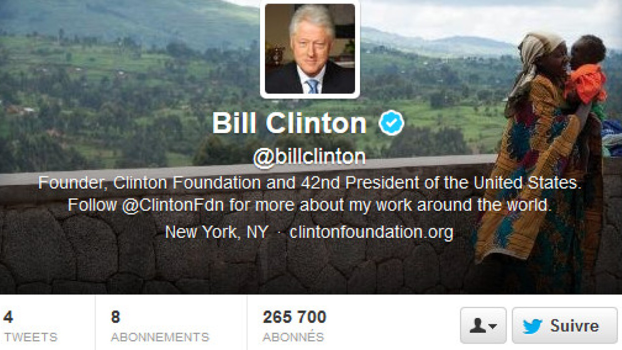 Bill Clinton poste ses premiers tweets.