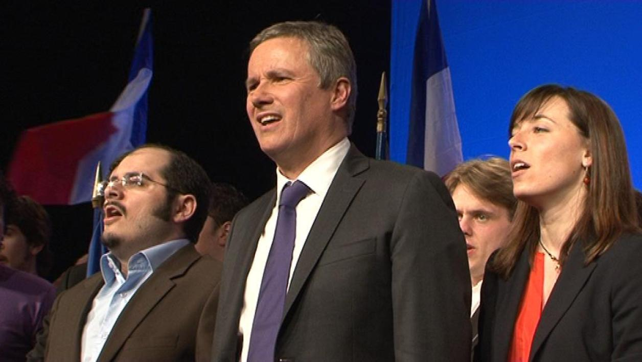 Nicolas Dupont-Aignan à Paris pour son premier grand meeting