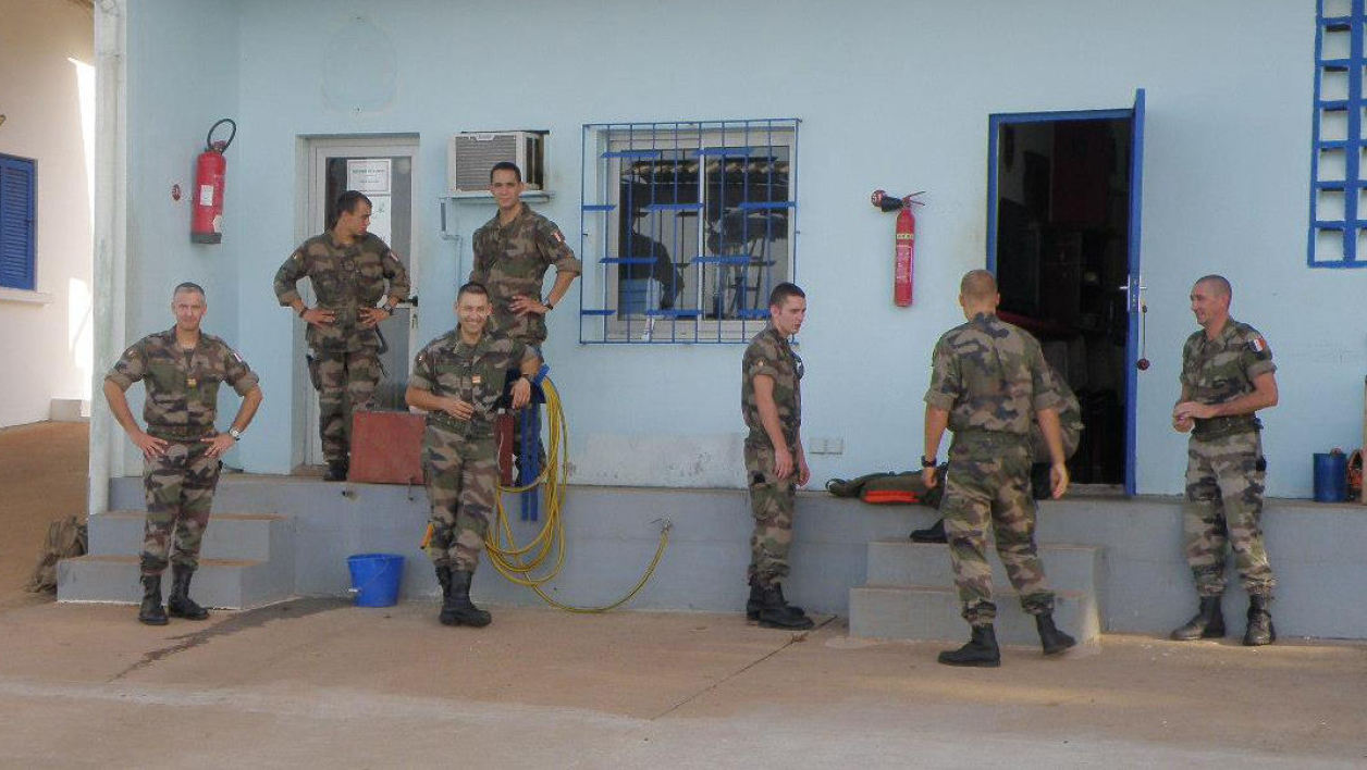Des soldats du détachement d'intervention lagunaire de Port Bouet.