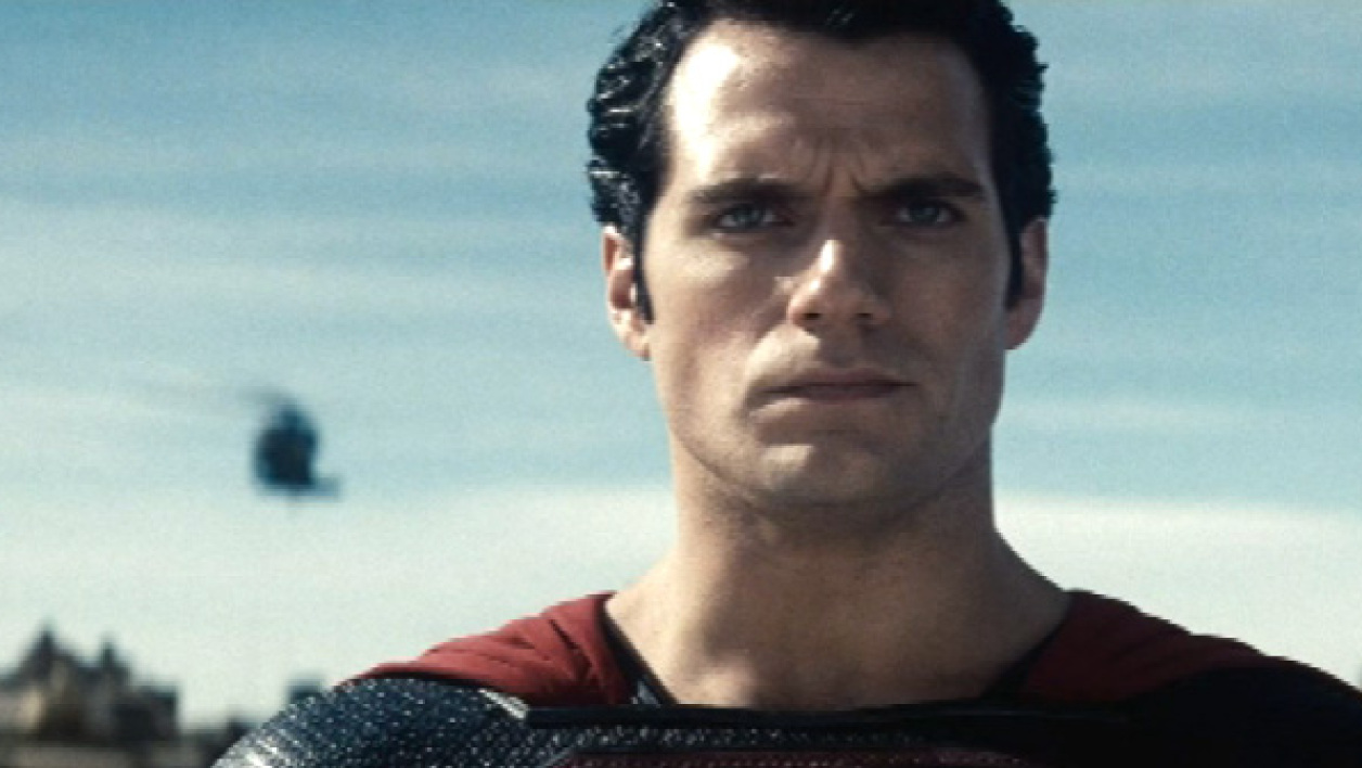 "Clark Kent incarne Superman dans ""Man of steel""."