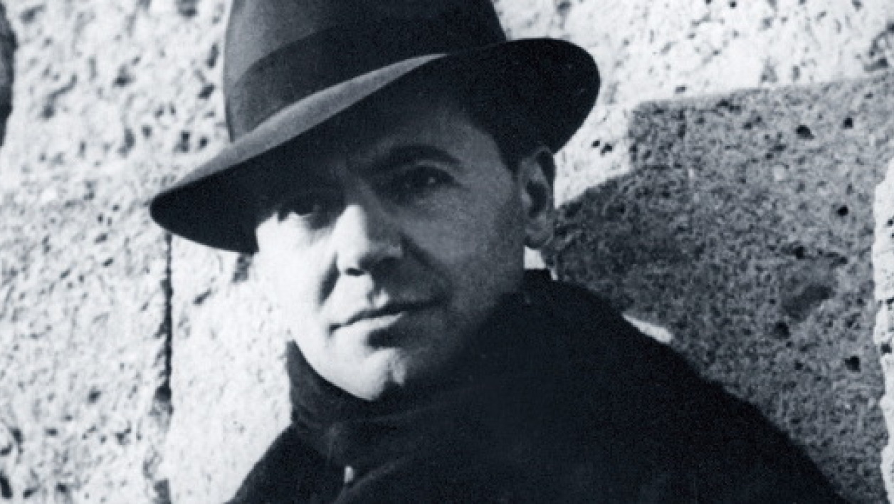 Jean Moulin en octobre 1940.