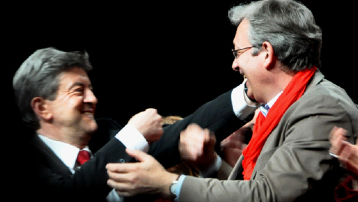 Jean-Luc Mélenchon et Pierre Laurent lors d'un meeting commun le 19 avril 2012.