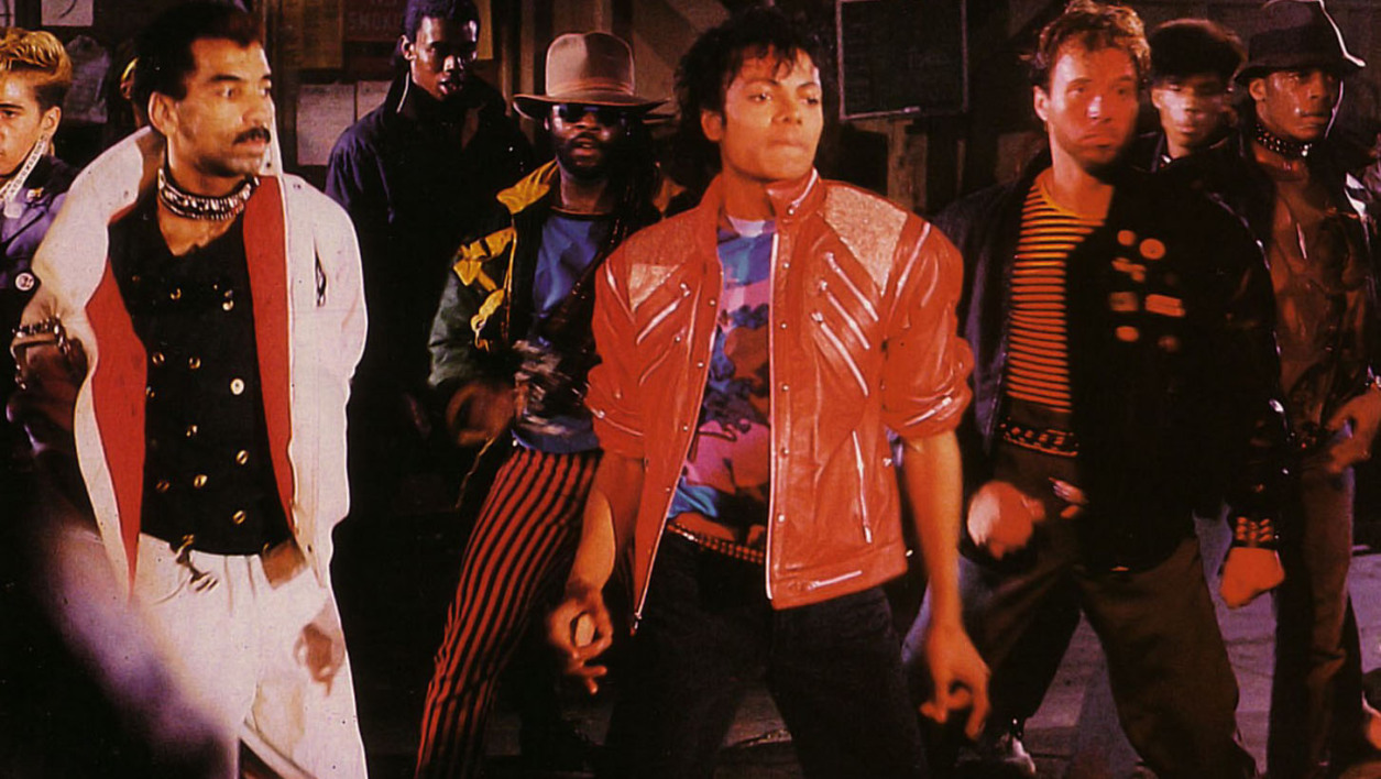 "Michael Jackson dans clip ""Beat It""."