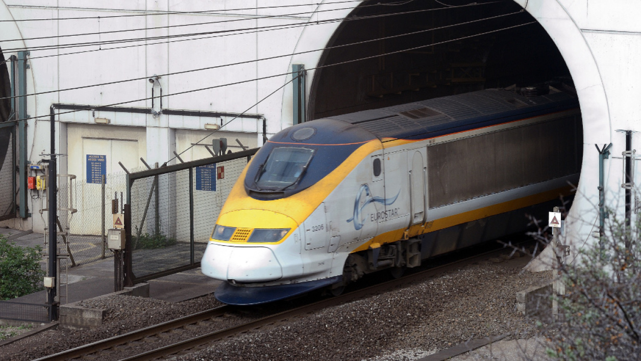 Un train Eurostar dans le tunnel sous la Manche, le 10 avril 2014. (Illustration)
