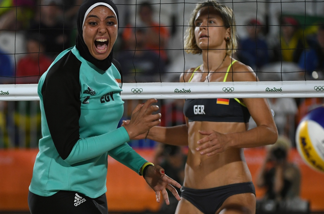 JO 2016 : une photo de beach volley fait le tour du monde