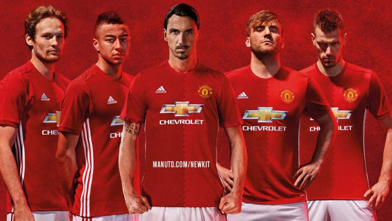 manchester united le nouveau maillot d voil. Black Bedroom Furniture Sets. Home Design Ideas
