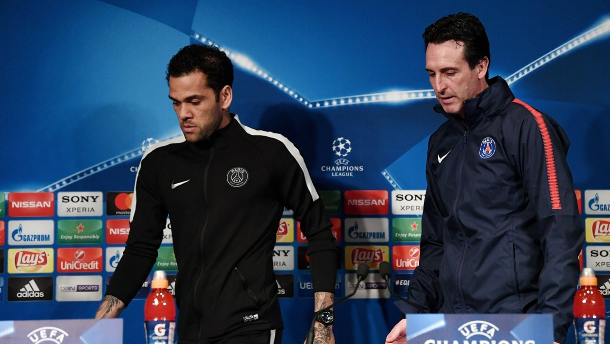 Dani Alves et Unai Emery avant PSG-Real Madrid