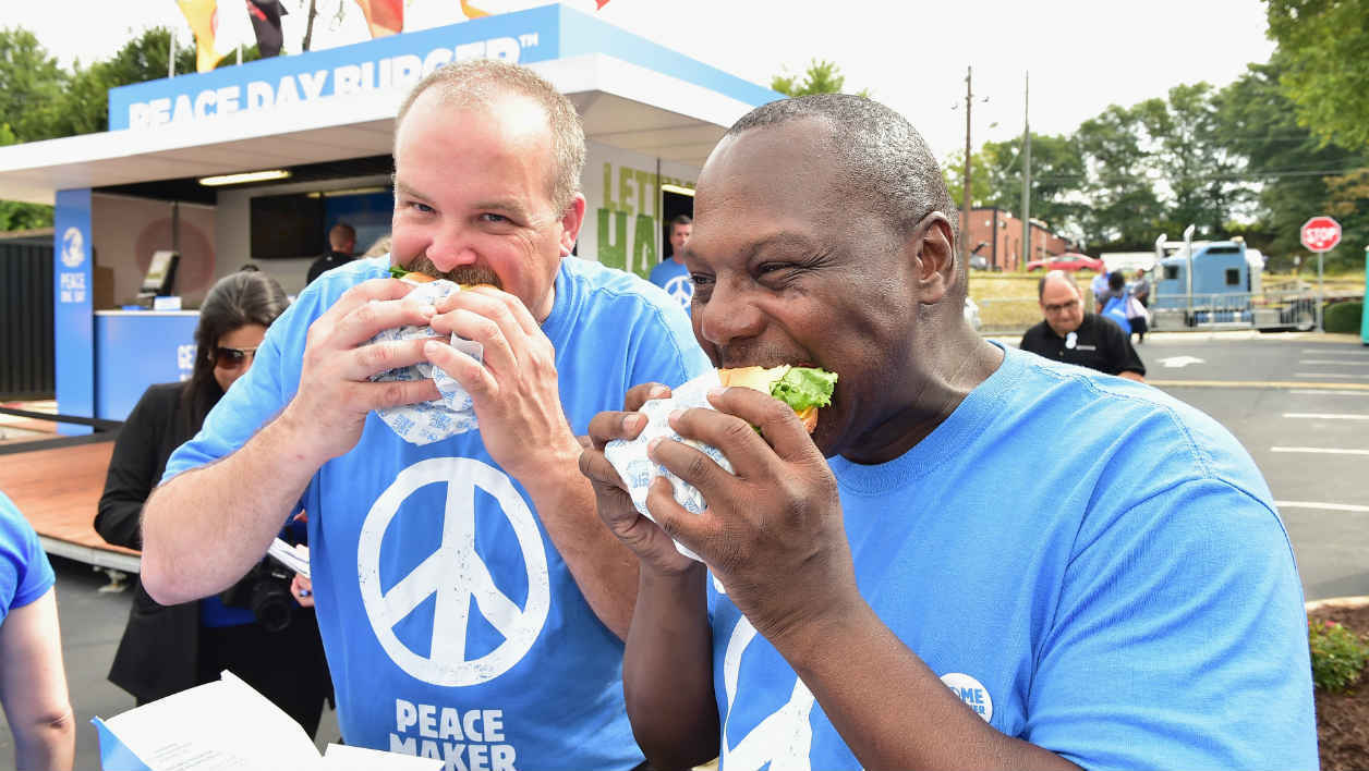 ATLANTA, GA - SEPTEMBER 21: Atmosphere at Peace Day Burger Pop Up With Burger King on September 21, 2015 in Atlanta, Georgia. Moses Robinson/Getty Images for Burger King/AFP