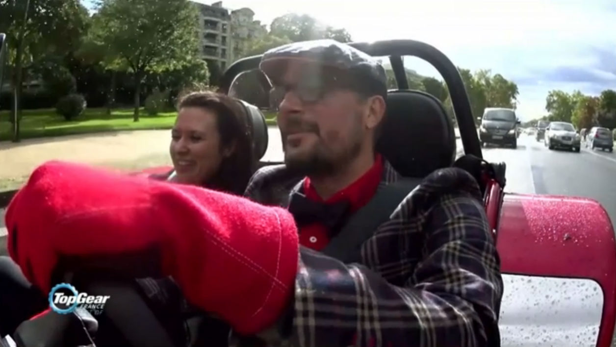 Top Gear France live vidéo, Le Tone chante en Caterham