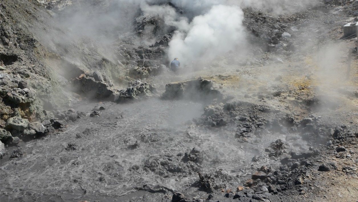 campi-flegrei-volcans-eruption-science