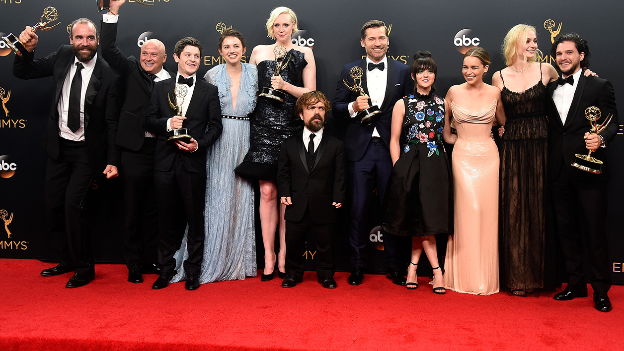 Une partie des acteurs de Game Of Thrones lors des Emmy Awards en septembre 2016