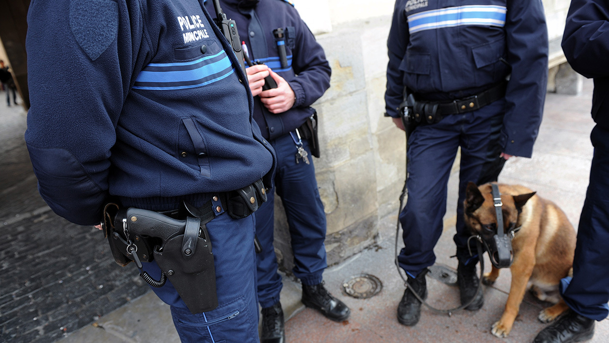 Des policiers municipaux en armes, à Toulouse (Photo d'illustration).