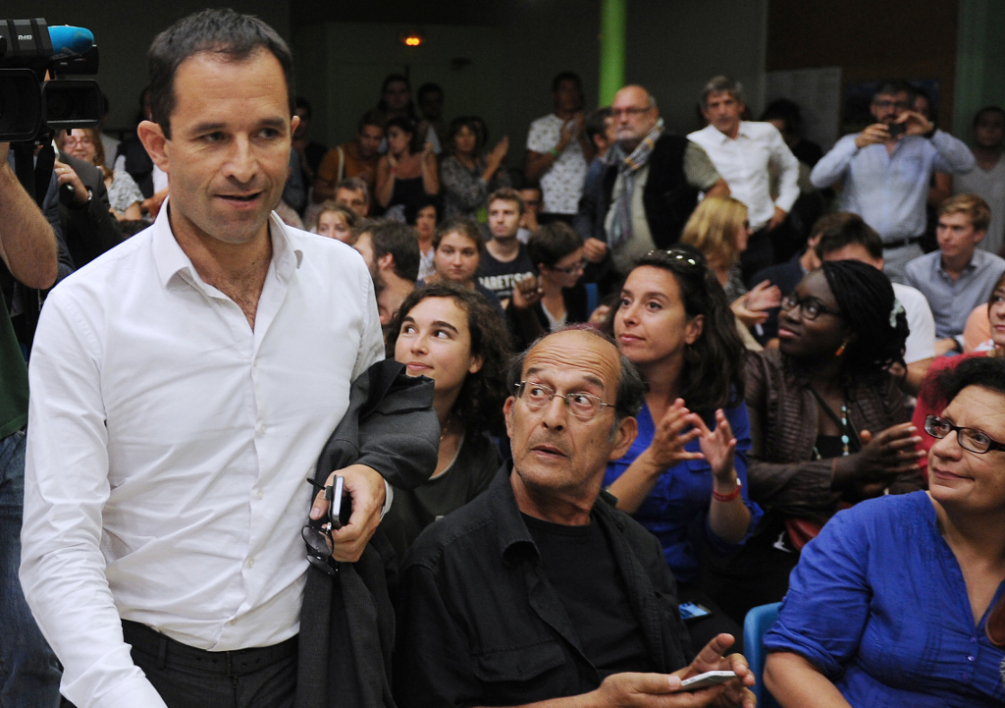 FRANCE, LA ROCHELLE : Former French Education minister Benoit Hamon arrives in La Rochelle, western France, on August 29, 2014 to attend the annual Summer University (Universite d'ete) of France's ruling Socalist Party (PS). AFP PHOTO / XAVIER LEOTY