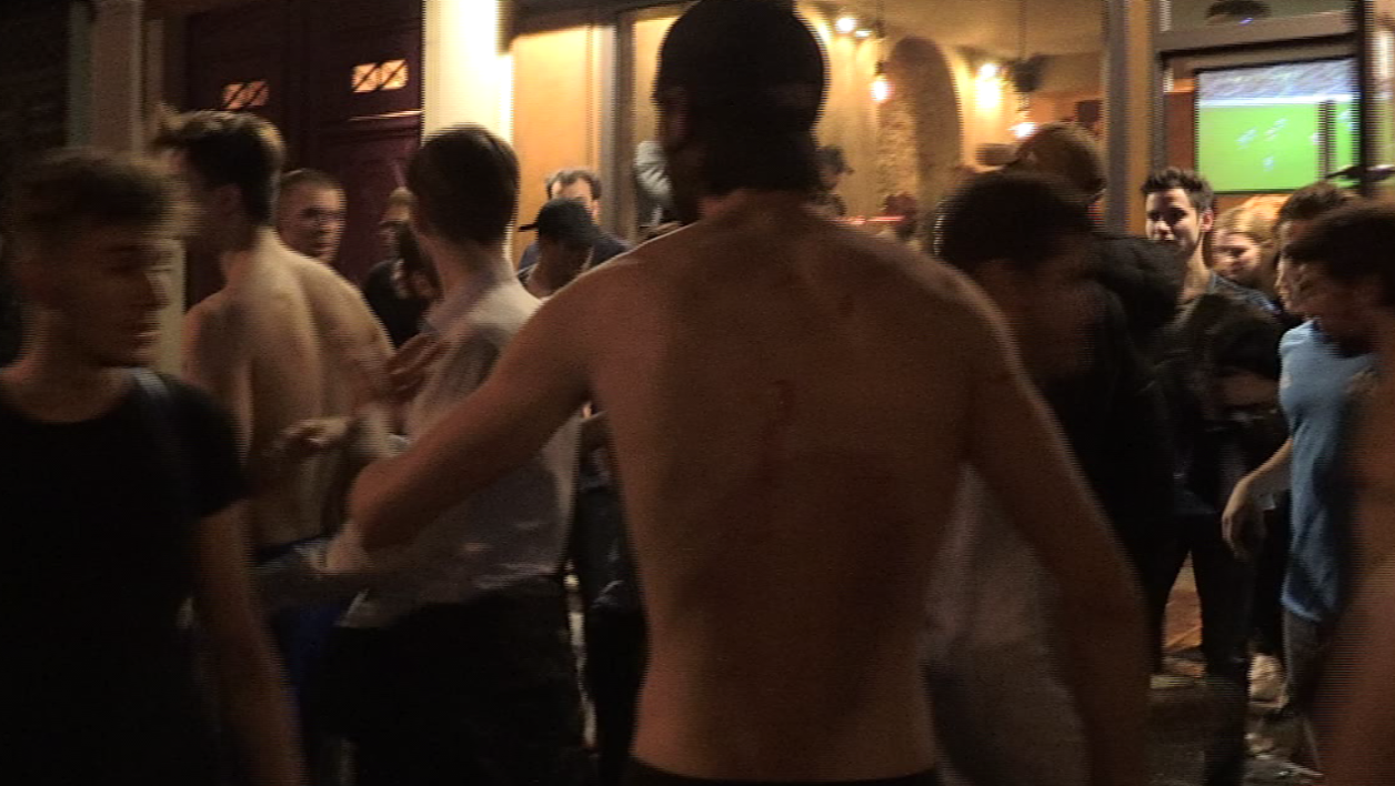 Les supporters de l'OM après l'agression au bar