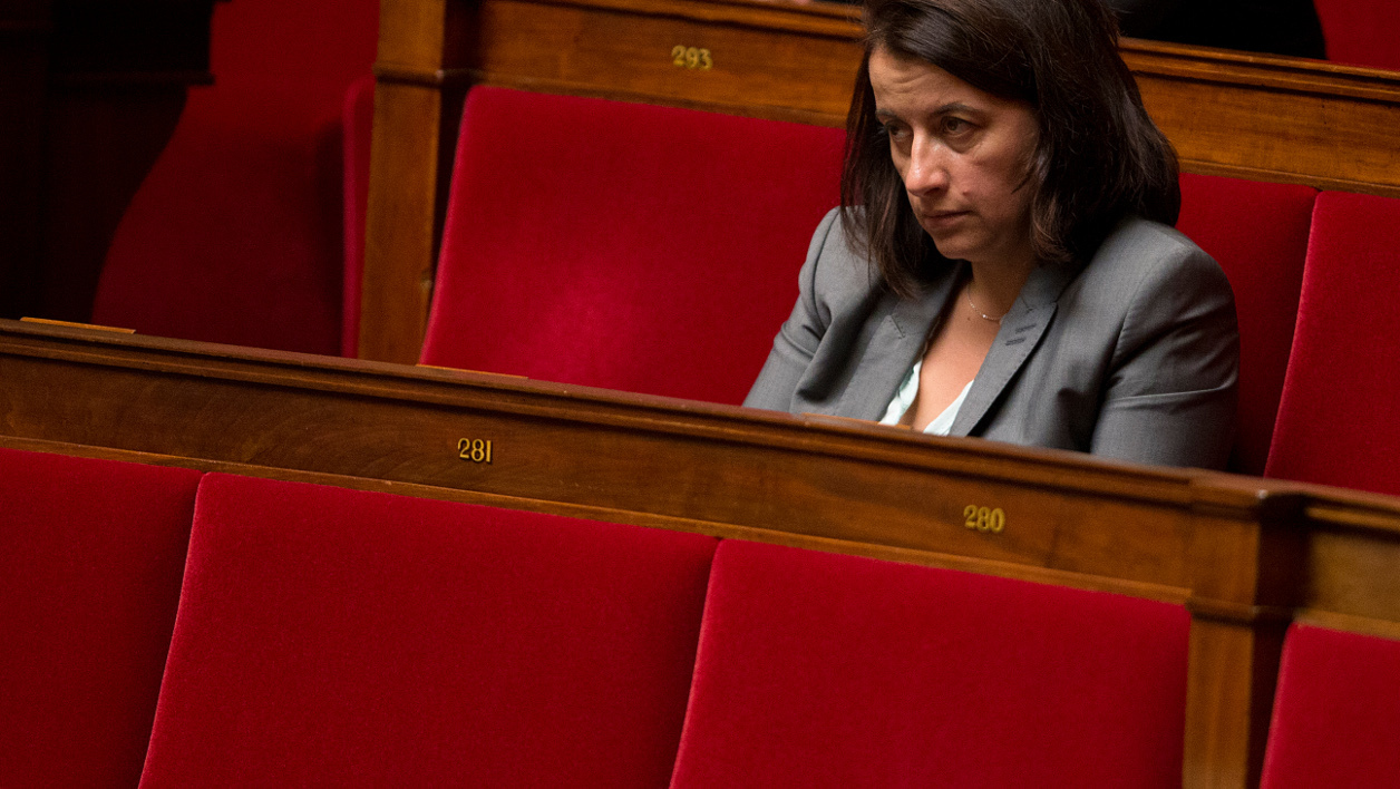 Green party deputy Cecile Duflot sits on September 24, 2014 at the parliament during a debate without a vote over France's engagement in Iraq. AFP PHOTO / JOEL SAGET JOEL SAGET / AFP
