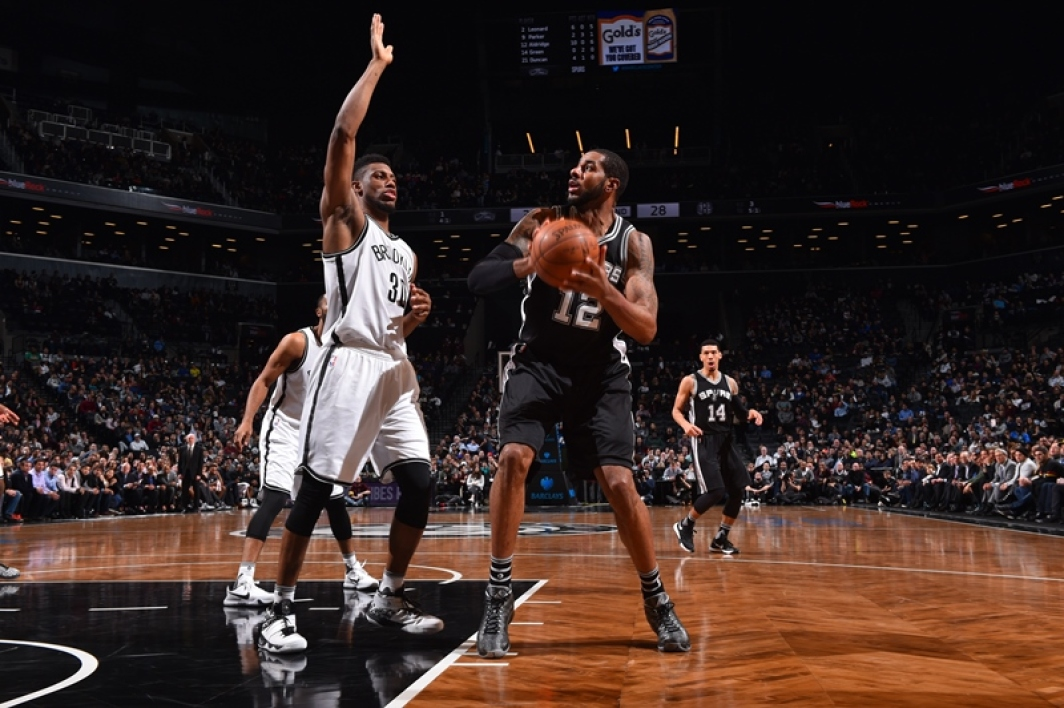 EN VIDEO - NBA: les Spurs sans pitié pour Brooklyn