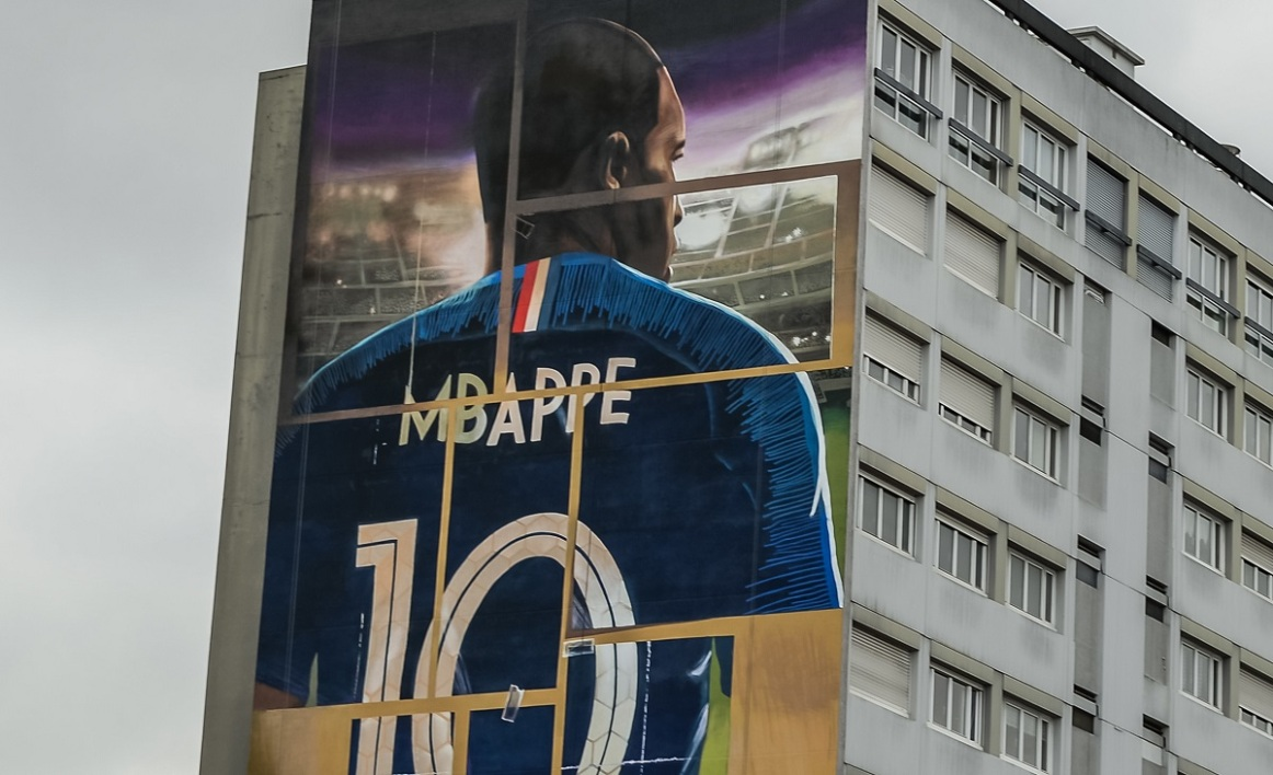 mbappé fresque bondy icon sport.jpg