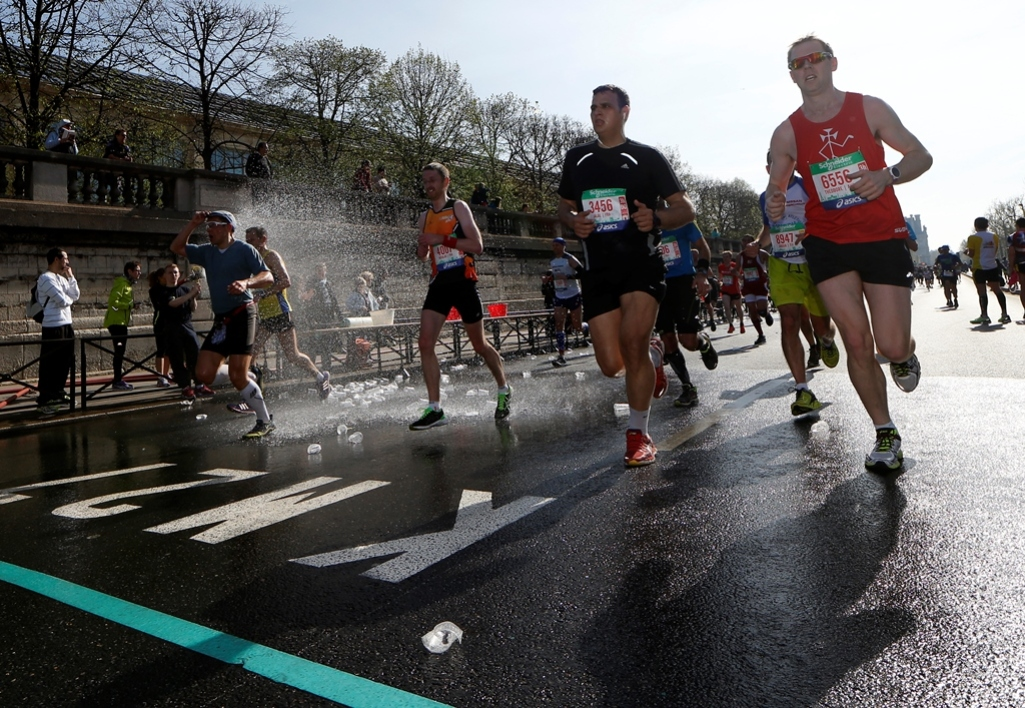 Des concurrents du marathon de Paris