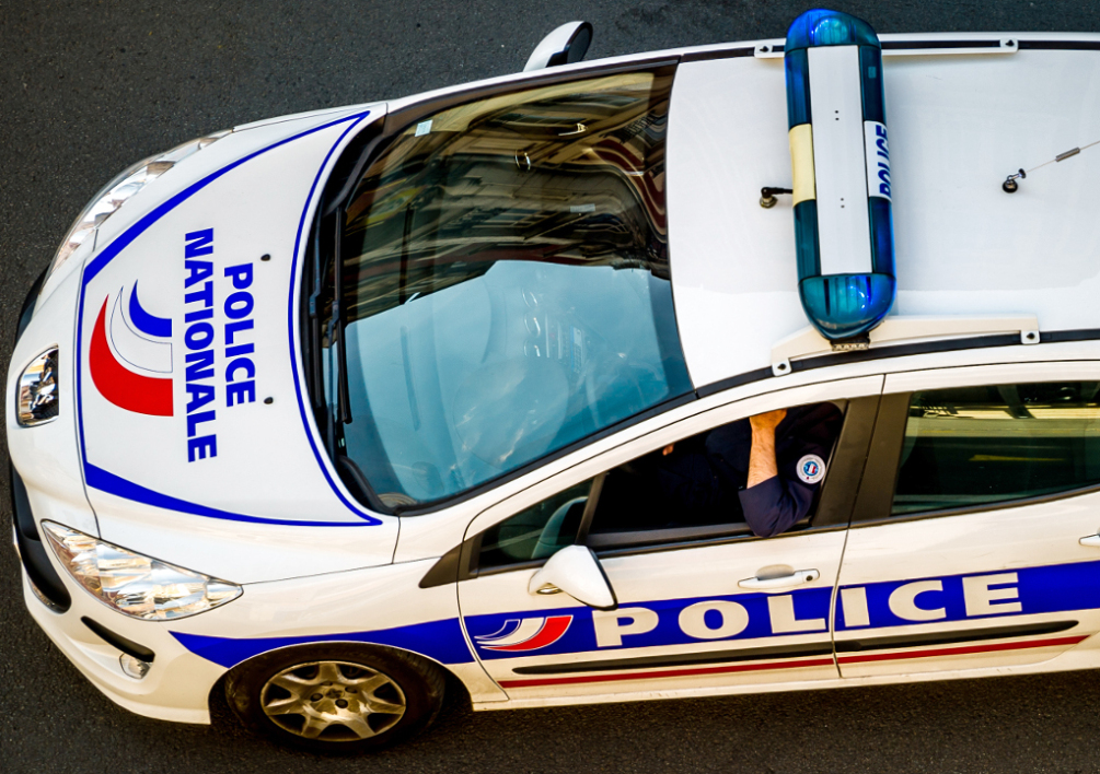 FRANCE, Lille : A picture taken on May 15, 2014 shows a French police vehicle in a street of Lille, northern France. AFP PHOTO / PHILIPPE HUGUEN