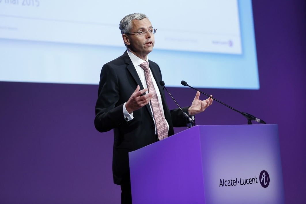 Michel Combes quitte Alcatel-Lucent .