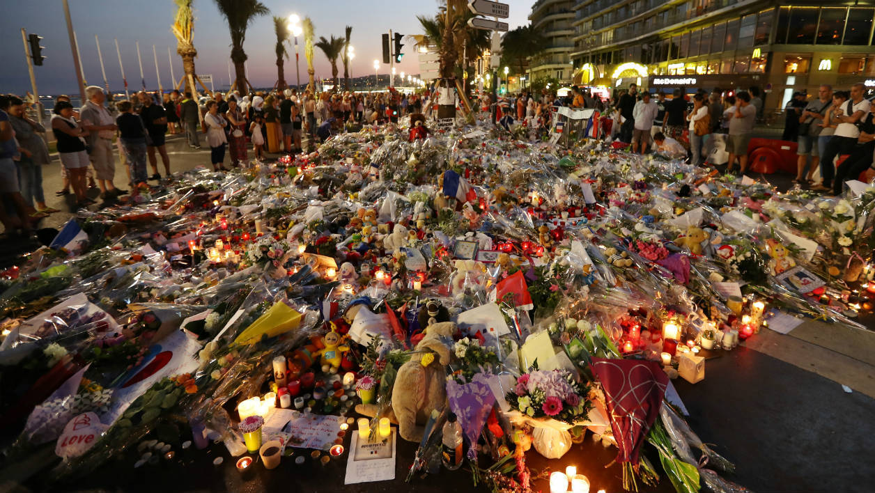 Les associations de victimes de Nice réclame un hommage national.
