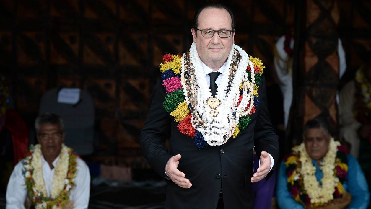 Ils Ont Supplie Hollande De Porter Une Tenue Traditionnelle A Wallis