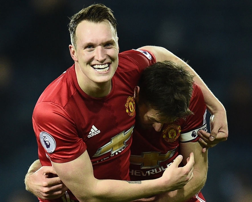 Phil Jones suspendu pour insultes