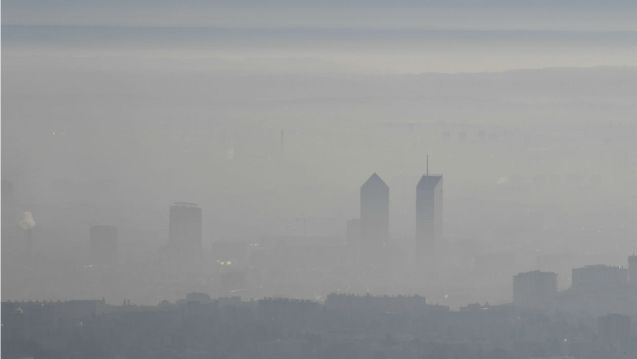 pollutionLyon_PHILIPPEDESMAZES_AFP.jpg