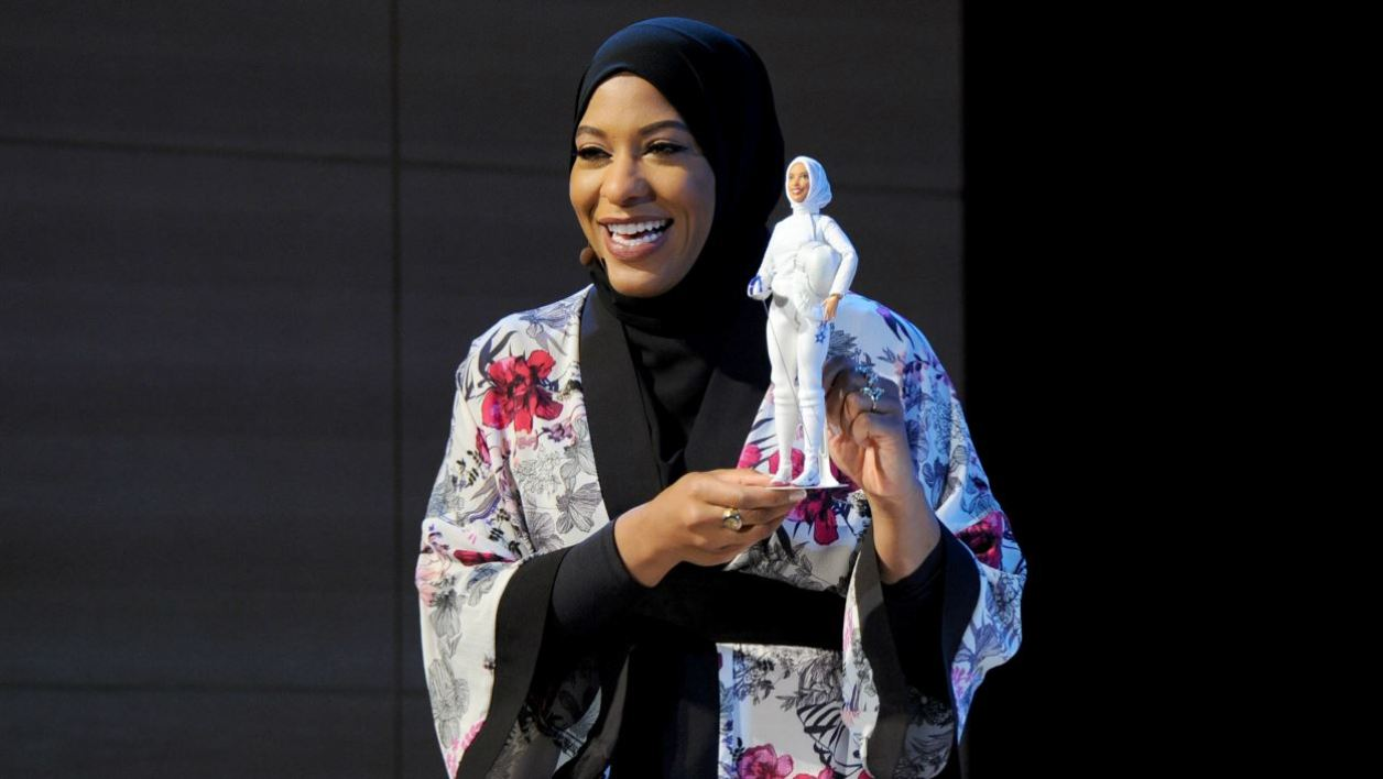 NEW YORK, NY - NOVEMBER 13: U.S. Olympic Medalist Ibtihaj Muhammad speaks onstage a new Barbie doll in her image during Glamour Celebrates 2017 Women Of The Year Live Summit at Brooklyn Museum on November 13, 2017 in New York City.