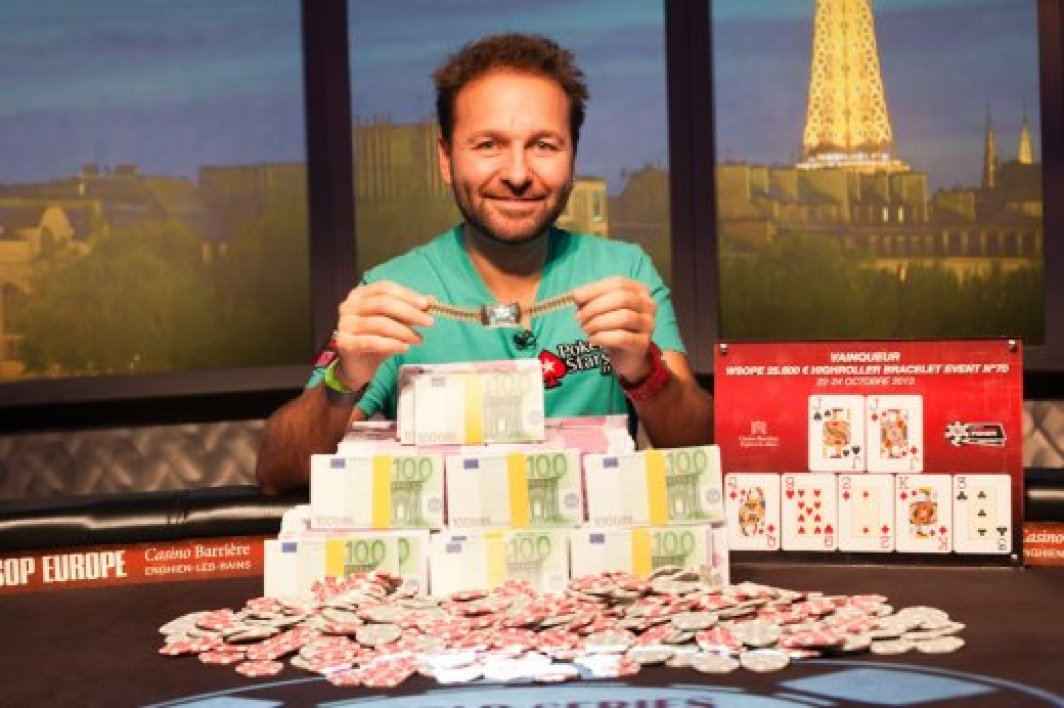 "Negreanu, 6ème bracelet et ""Player of the Year""."