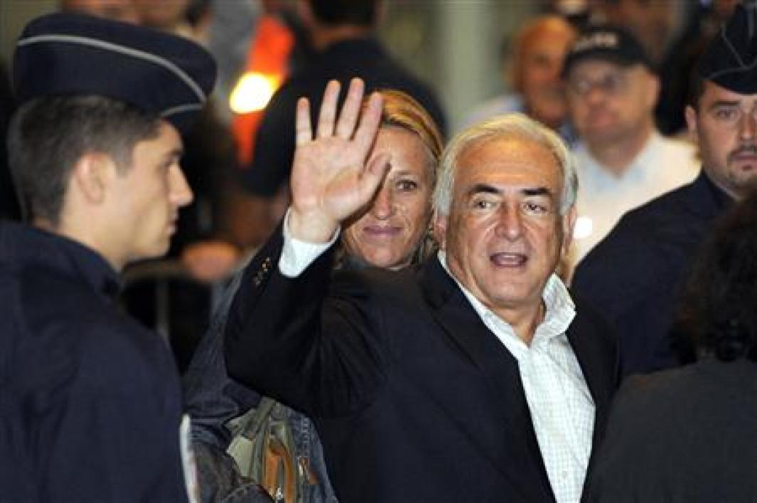 Dominique strauss-kahn de retour en france