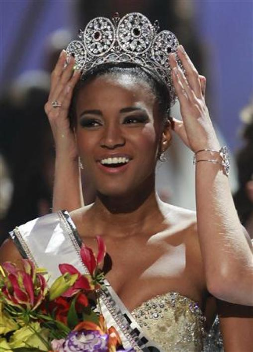 Miss angola sacrée miss univers