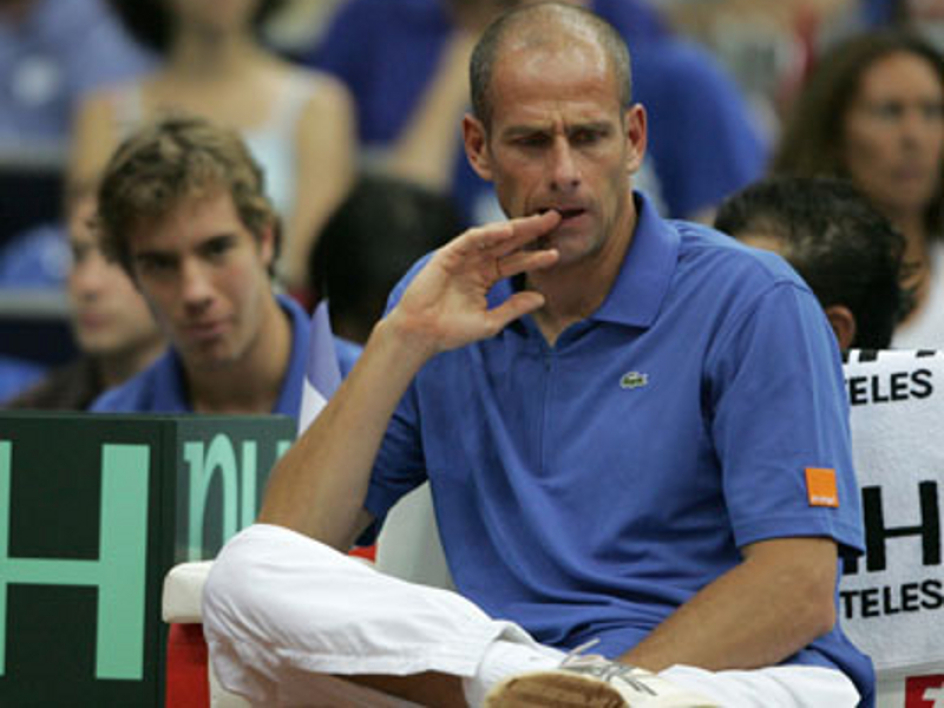 Richard Gasquet derrière Guy Forget