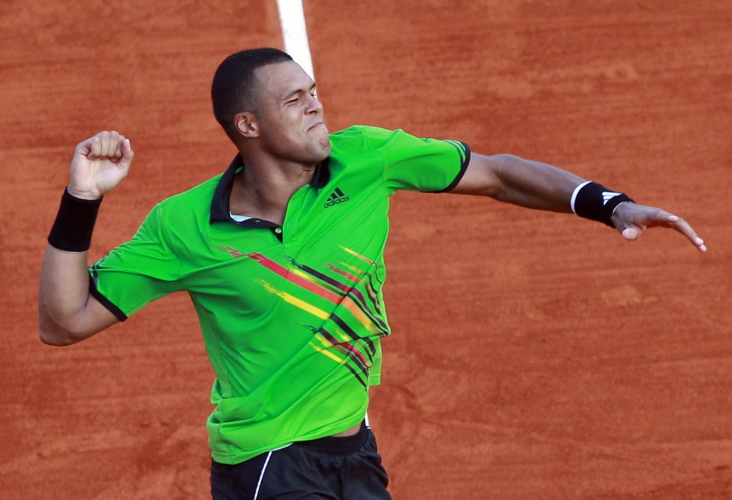 Tsonga poursuit sa route à Madrid sans entraîneur