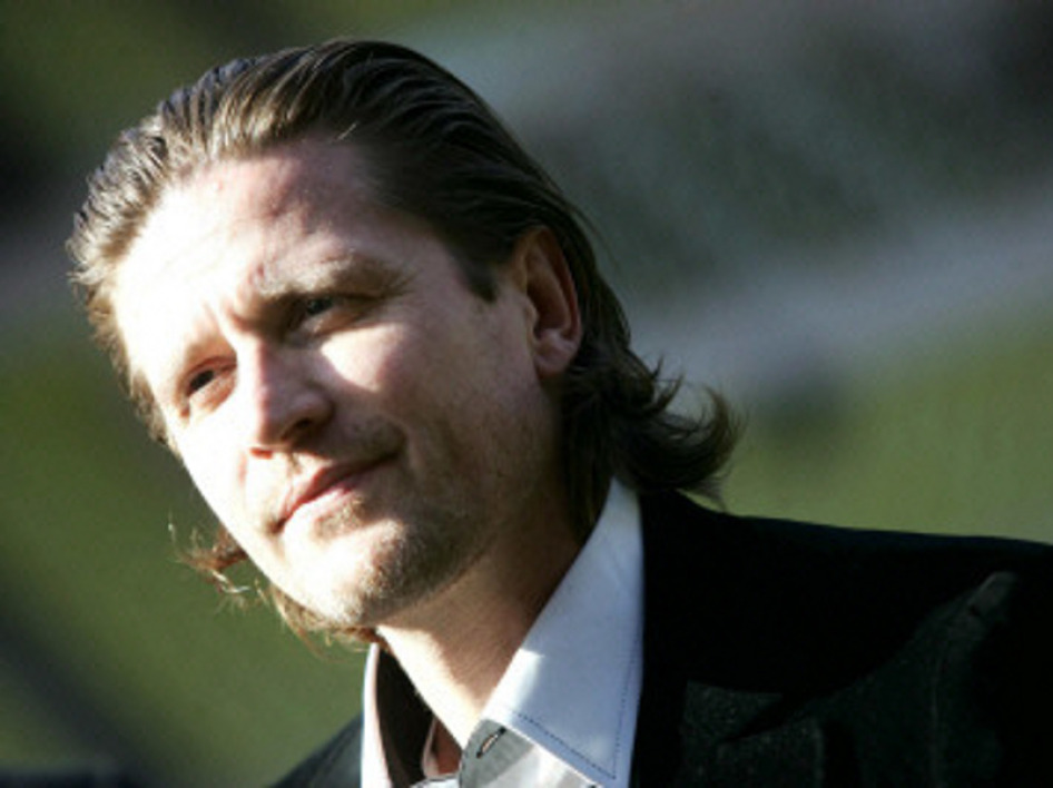 Emmanuel Petit part en guerre contre le foot business
