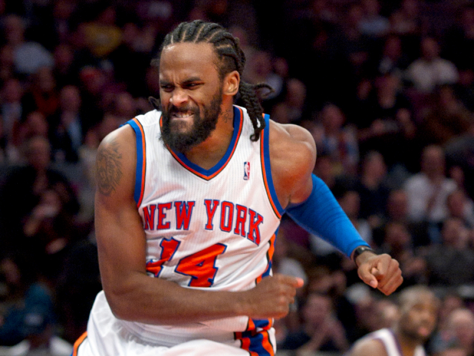 Ronny Turiaf playing for the NY Knicks.