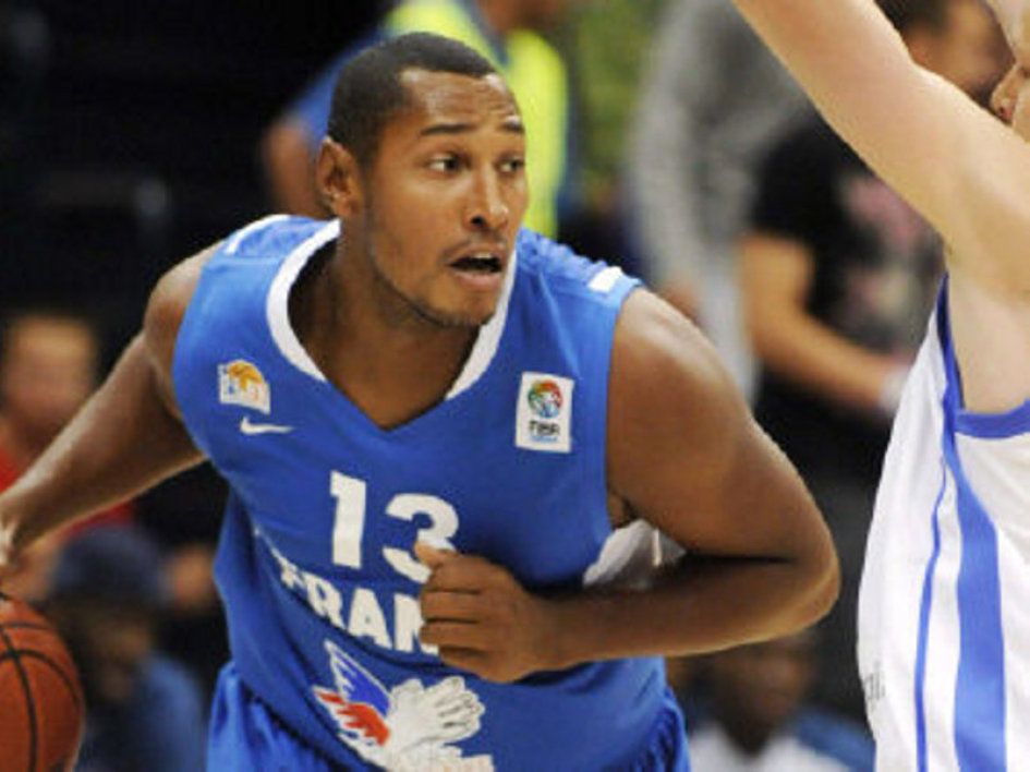 Boris Diaw reached an agreement with the Spurs on Friday.
