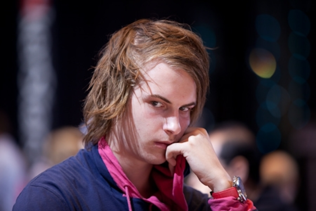Poker High Stakes Avril, Viktor Blom perd son titre.