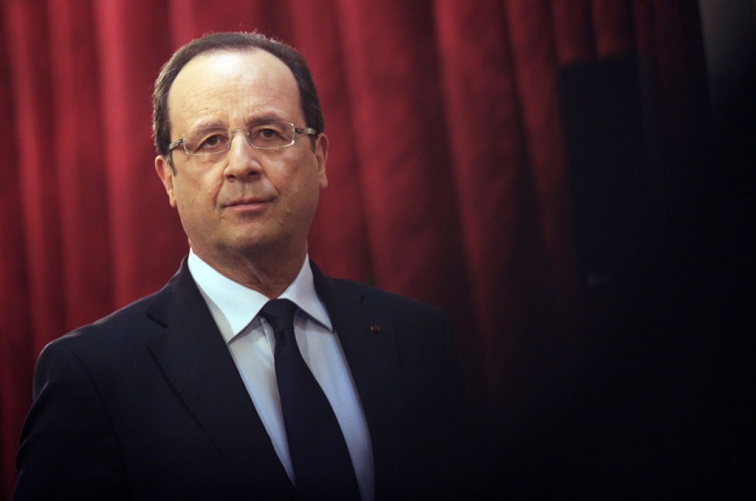Hollande annonce un remaniement « en son temps »