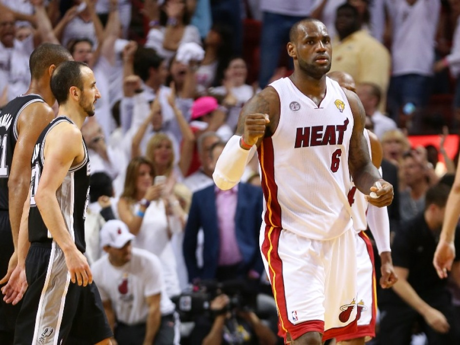 LeBron James, monstrueux face aux Spurs