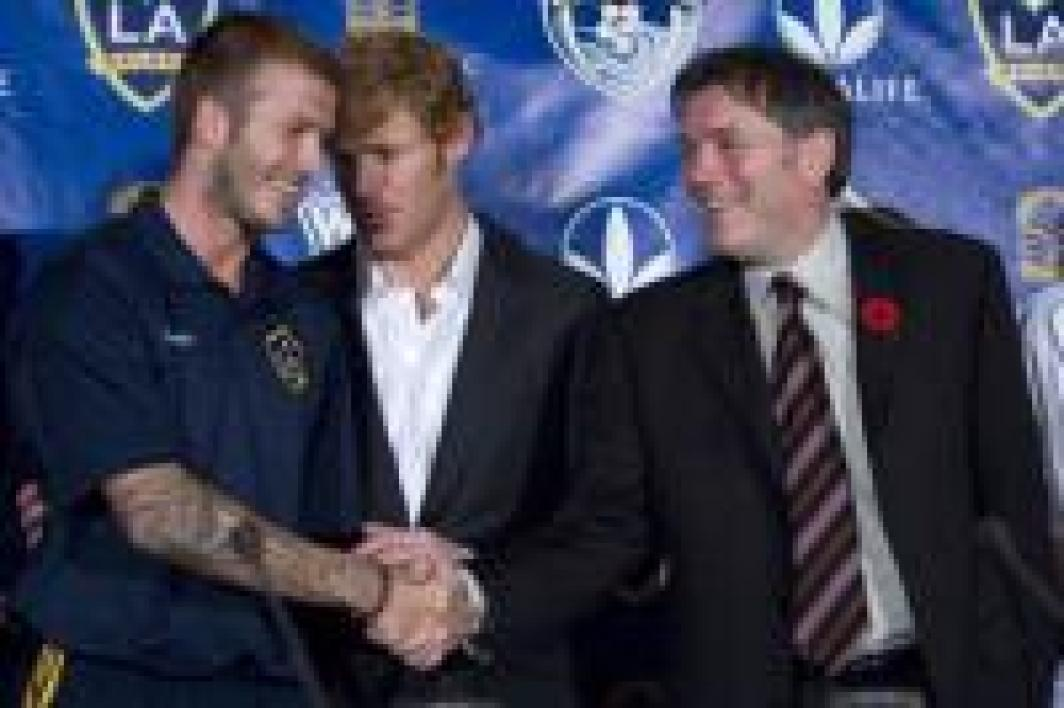 David Beckham en discussion Alexi Lalas