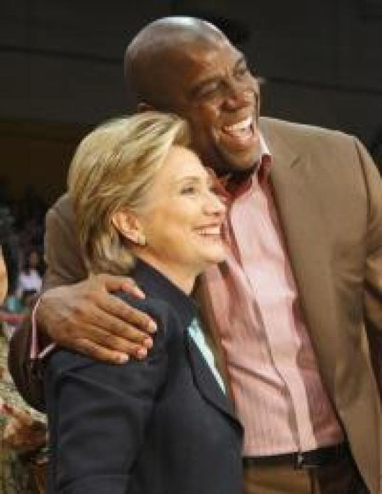 Magic Johnson, basketteur mondialement connu appuie la candidature de Hillary Clinton