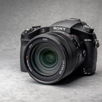 Test : Sony Cyber-shot RX10 Mark III, un bridge expert qui frappe fort