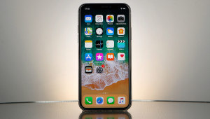Comparatif Apple iPhone X contre Apple iPhone 8 Plus 01net.com
