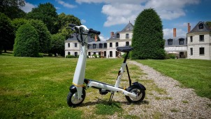 Test Halo City One Mile : la maniabilité d'une trottinette, l'assise d'un mini scooter